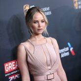 Jennifer Lawrence veste Elie Saab!!!!!!!!!!