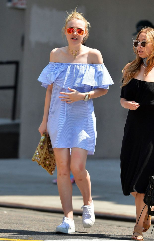dakota-fanning-vestido-azul1