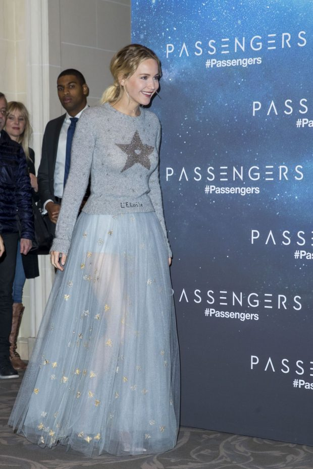 jennifer-lawrence-passengers-photocall-in-paris-11-29-2016-7