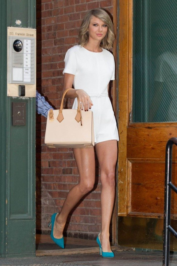 taylor-swift-fashion-out-in-new-york-city-may-2015_9-620x930