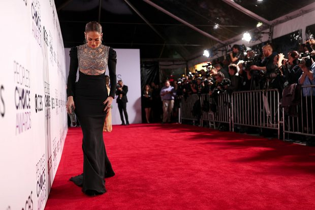 LOS ANGELES, CA – JANUARY 18:  Actress/recording artist Jennifer Lopez attends the People's Choice Awards 2017 at Microsoft Theater on January 18, 2017 in Los Angeles, California.  (Photo by Christopher Polk/Getty Images for People's Choice Awards)