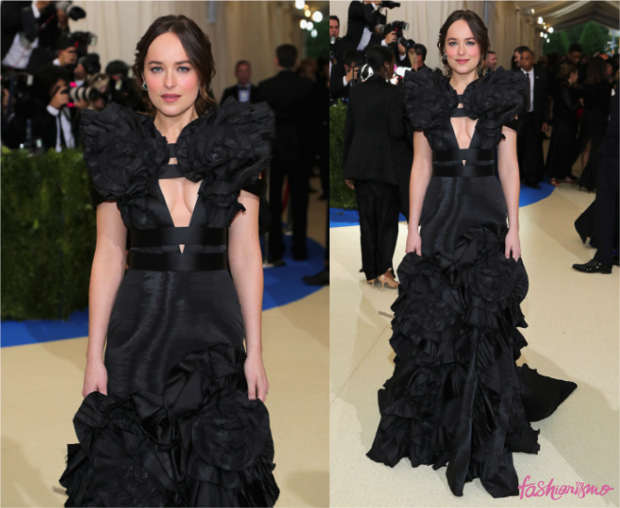 baile-do-met-2017-dakota-johnson