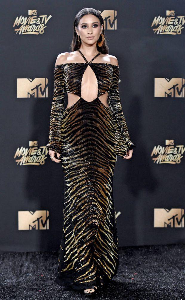 189a3a66d5 Os Looks do MTV Movie Awards 2017 - Fashionismo