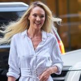11 Looks da Candice Swanepoel Por Aí