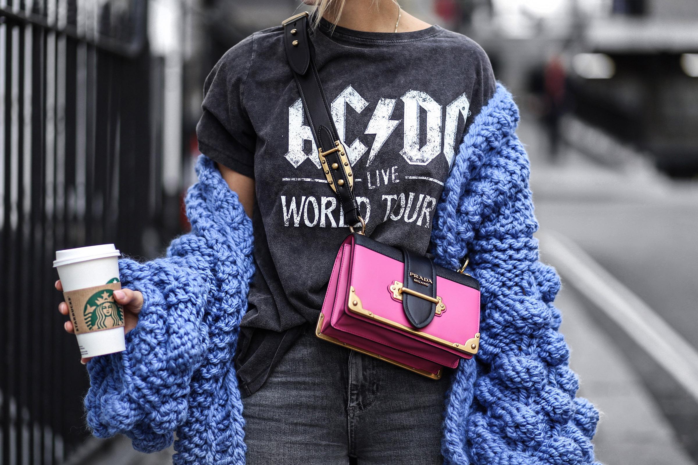 7e76531038336 Desejando fortemente  Prada Cahier - Fashionismo