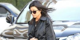 Kourtney Kardashian monocromática