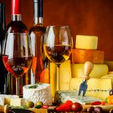 Como acertar na hora de harmonizar queijos e vinhos