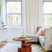 Um apartamento branco e sereno no Brooklyn