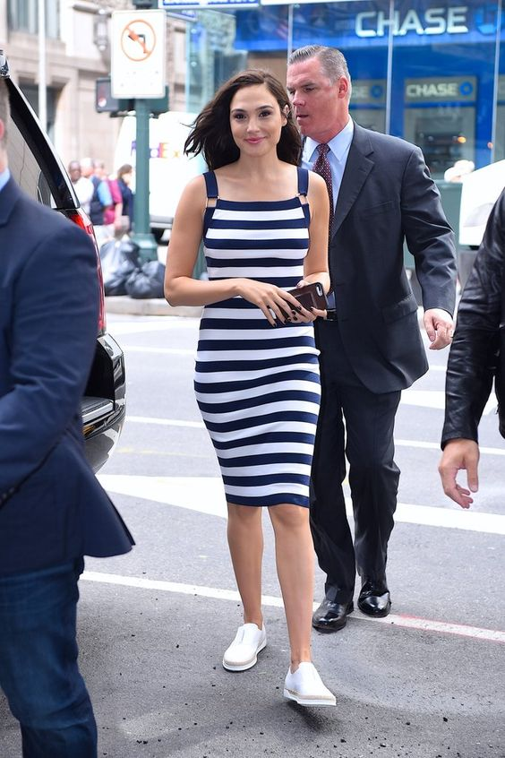 gal gadot look outfit