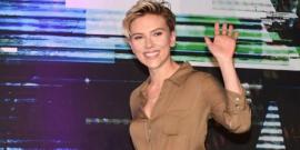 11 Looks da Scarlett Johansson por aí