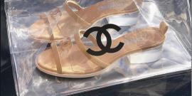 Tendência Verão 2020: Tamanquinho (de PVC da Chanel)