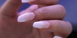 Lipstick nails, faria?!